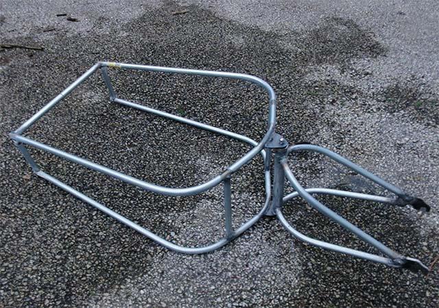 Рама для самодельного одноколёсного велоприцепа