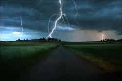 молния и дорога