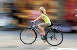 bicycle_girl_istock_000003775668xsm