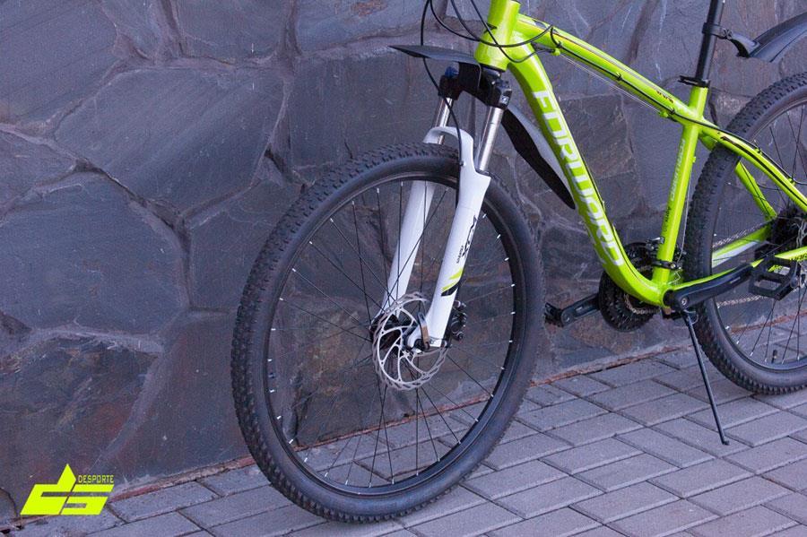 Амортизационная вилка SR Suntour XCM HLO на велосипеде Forward Agris 27,5 3.0