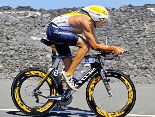 шлем для триатлона