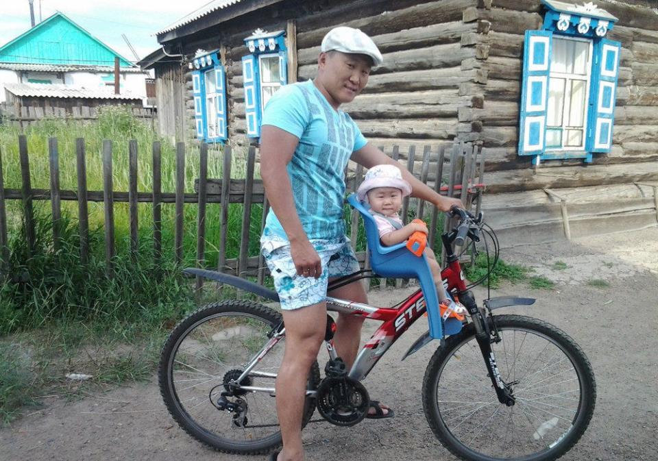 Детское велокресло спереди