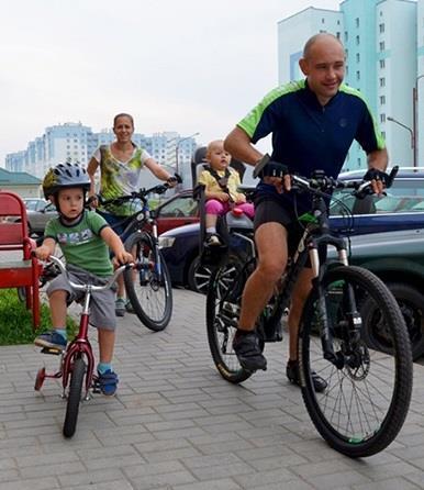велосипедная прогулка всей семьей