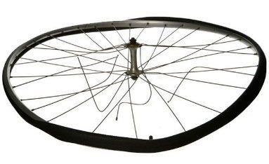 деформированное спицевое колесо