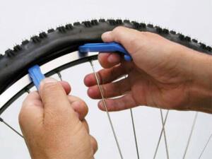 Бортировка велоколес с помощью монтажек