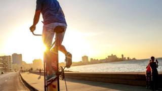 На высотном велосипеде по набережной Гаваны
