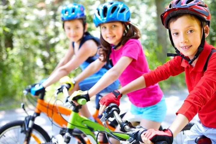 дети в шлемах