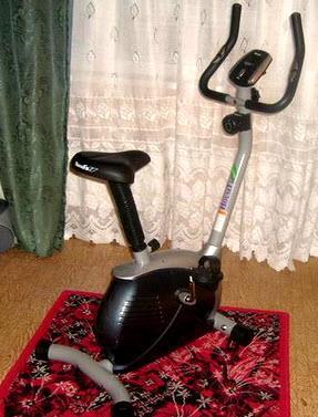 Велотренажер «HouseFit»