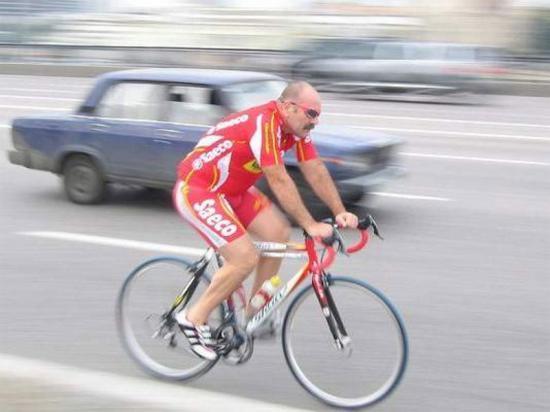 средний велосипедист