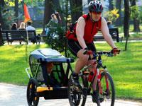 Детский прицеп к велосипеду