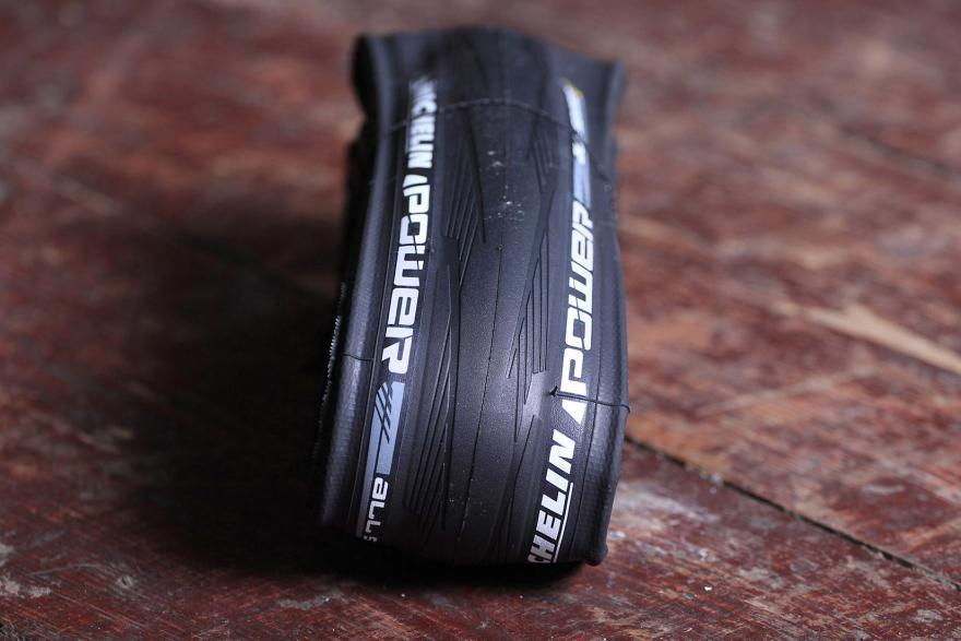 Покрышки шоссейного велосипеда Michelin Power All Season