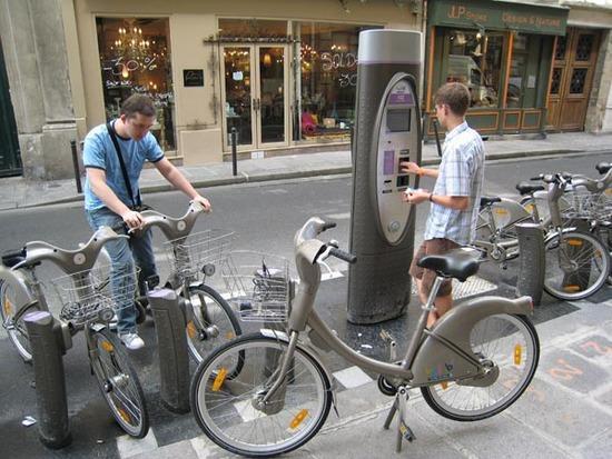 Общественные велосипеды в Париже