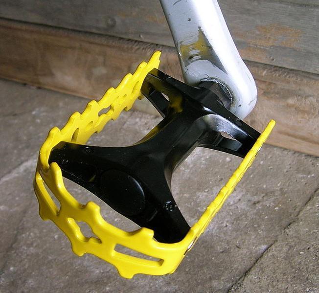 Скрипят педали на велосипеде