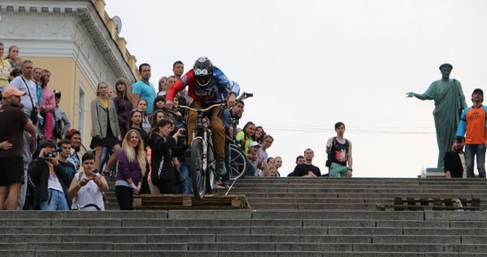 спуск с лестницы
